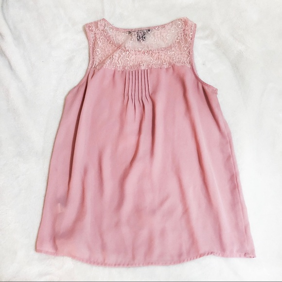 Forever 21 Tops - Blush Lace Top